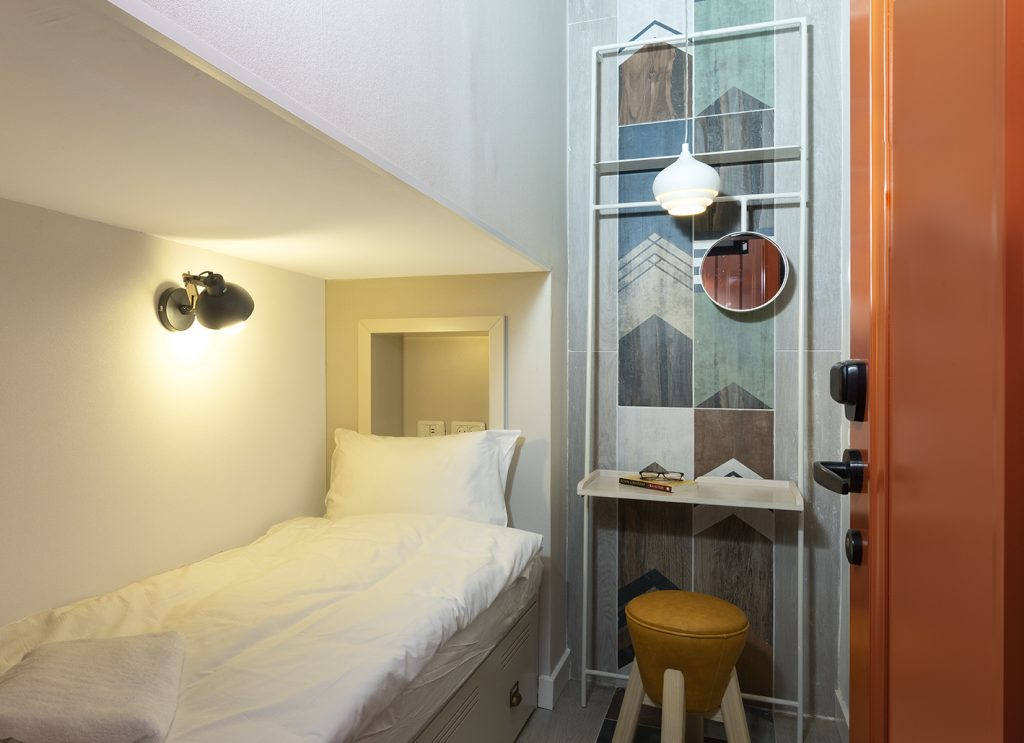 the spot hostel pod